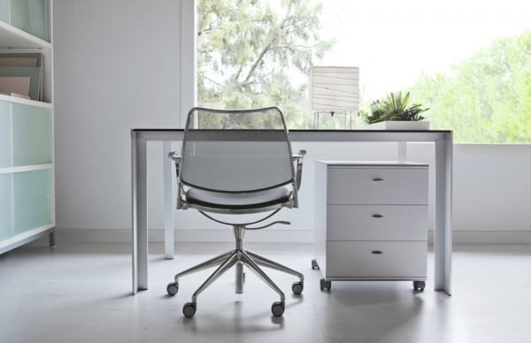 Mesa Deneb en despacho con sillas Gas con brazos