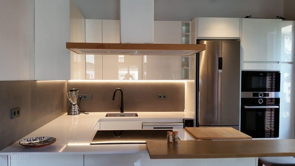 Vista zona fregadera cocina abierta