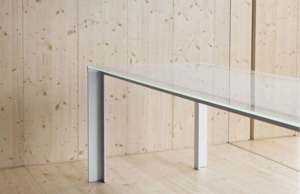 Detalle pata mesa aluminio