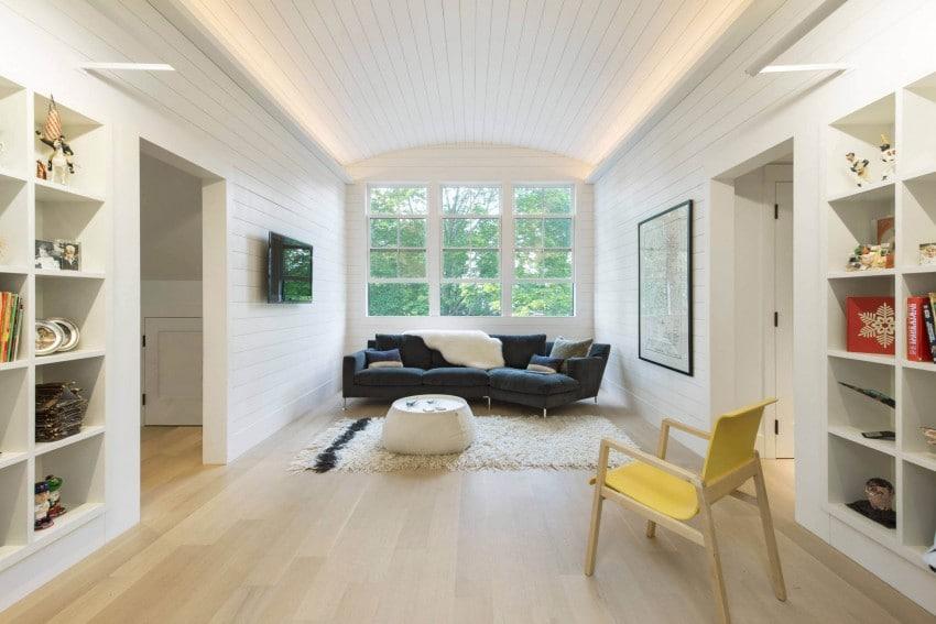 Sala de estar de la casa, en tonos claros